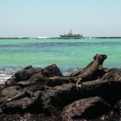 Sediment coring off the Galápagos Islands